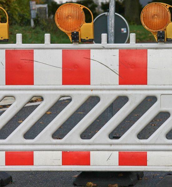 road-block-3811508_1920